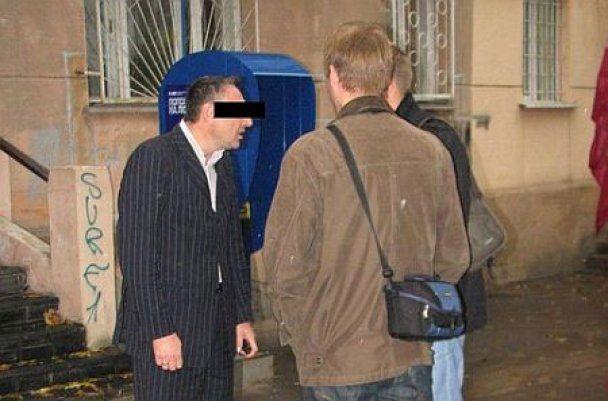 """В Одесі чиновник на """"Лінкольні"""" влаштував ДТП і погрожував потерпілому розправою"""