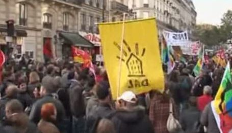 Франция таки приняла скандальную пенсионную реформу