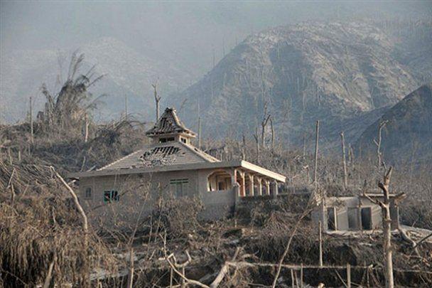 В Індонезії почалося нове виверження вулкана