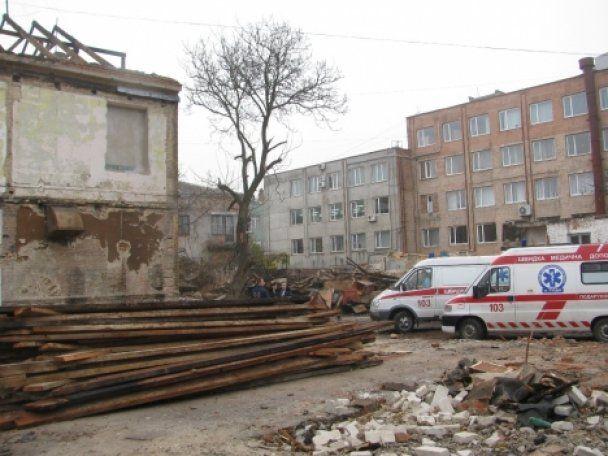 В Луцке произошел обвал во время демонтажа фабрики: погибли люди