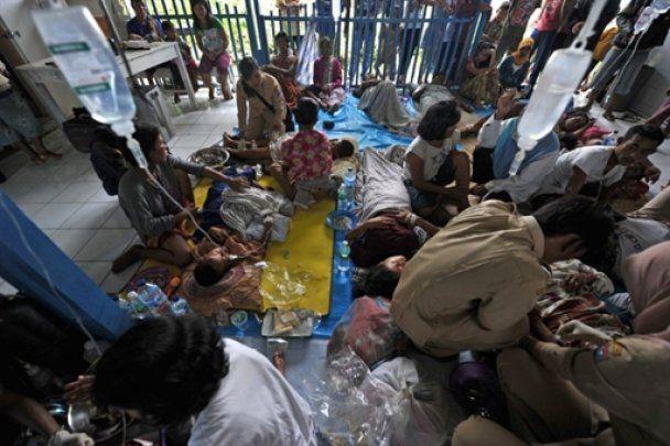Жертвами цунамі в Індонезії стали більше 340 людей (відео очевидців)