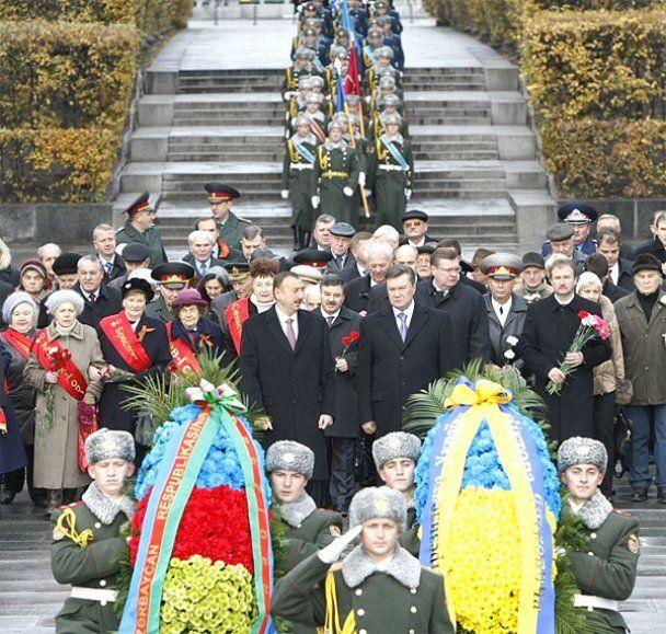 Віктор Янукович зустрівся з президентом Азербайджану