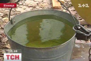У Вінниці вода стала зеленого кольору