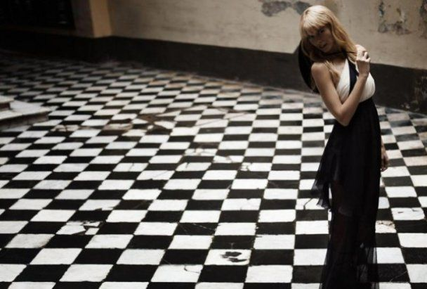 Клаудия Шиффер рекламирует Chanel