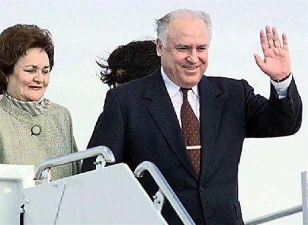 Черномирдіна поховають 5 листопада