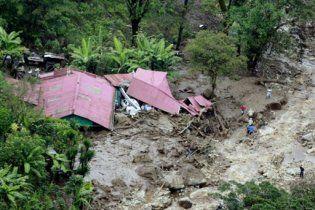 В результате оползня в Коста-Рике погибли 17 человек
