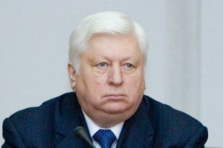 Пшонці прооперували ногу слідом за Януковичем і Литвином