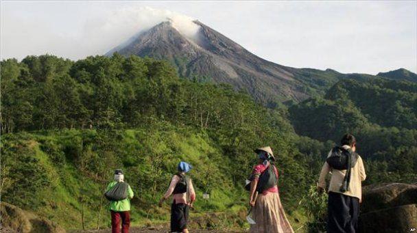 Извержение вулкана в Индонезии: погибших больше 100