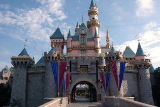 """Walt Disney построит в Китае """"Диснейленд"""""""