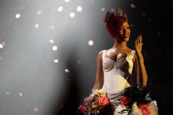 Lady GaGa получила три награды MTV