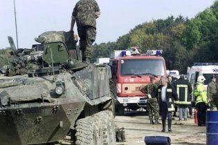 В Швейцарии столкнулись четыре БТР - 12 раненых