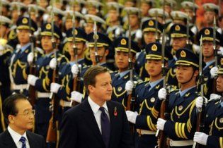 Між Великобританією і Китаєм виникла дипломатична суперечка через маки