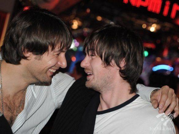 Артем Мілевський і Олександр Шовковський відпочивають в ресторані_1