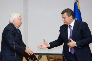 Новий генпрокурор виявився не кумом, а звичайним земляком Януковича