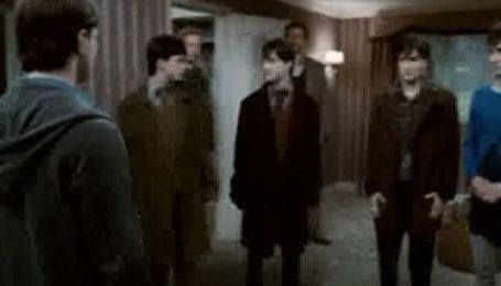 """Взрослая Эмма Ватсон побывала на премьере """"Гарри Поттера"""""""