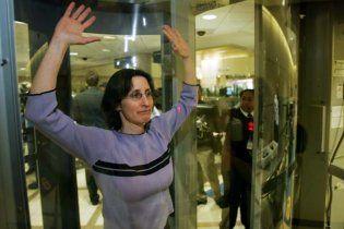 В США разрешили щупать половые органы пассажиров самолетов