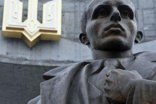 Родня Бандеры не собирается возвращать его прах в Украину