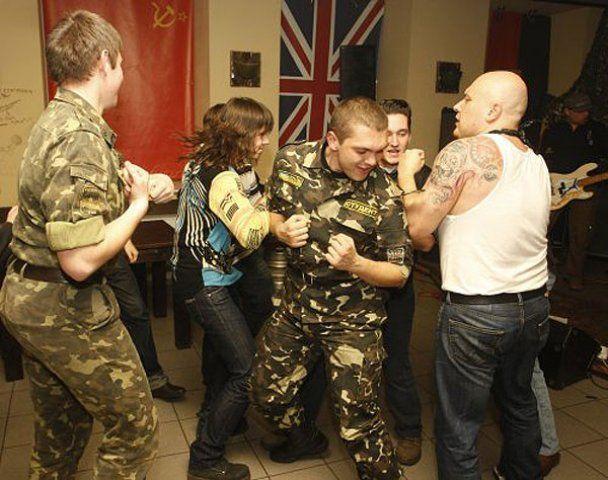 """Фестиваль """"Рок-н-ролл за сиськи"""" в Киеве"""