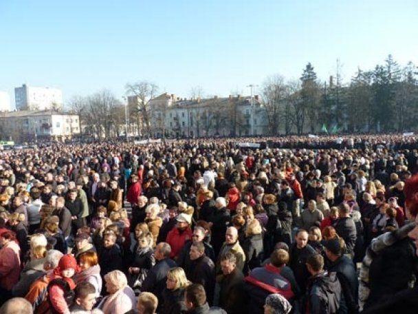 Хмельницький губернатор втік від натовпу розлючених підприємців