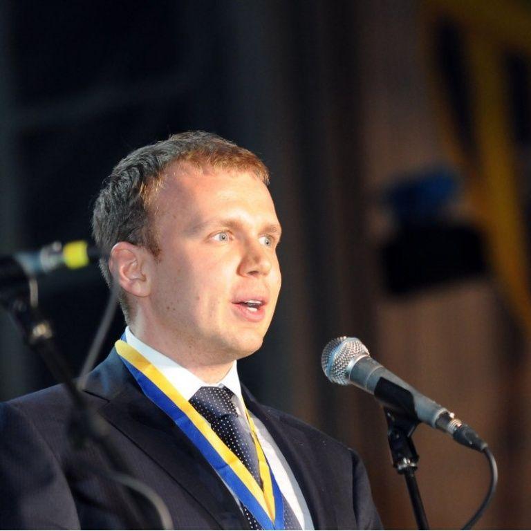 Суд передав медіахолдинг Курченка в управління АРМА
