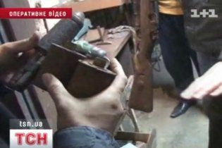 Кримчанин тримав вдома 20 гранат і тисячі набоїв
