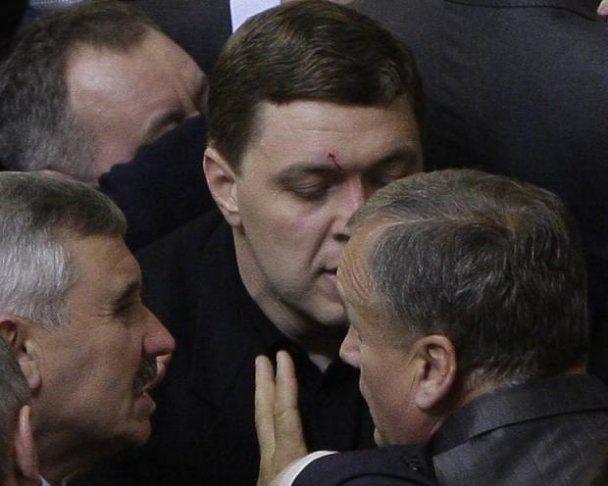 Міністр фінансів Податковим кодексом розбив обличчя бютівцю