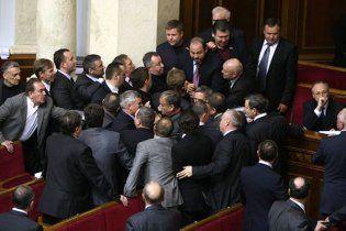 """Президент закроет путь в Раду """"маргинальным политикам"""""""