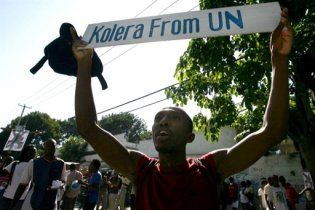 Беспорядки охватили столицу Гаити