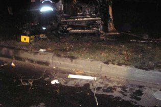 Под Киевом Porsche Cayenne врезался в дерево и сгорел: 5 жертв