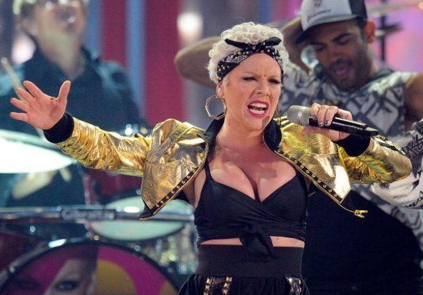 Церемонія вручення премії American Music Awards 2010