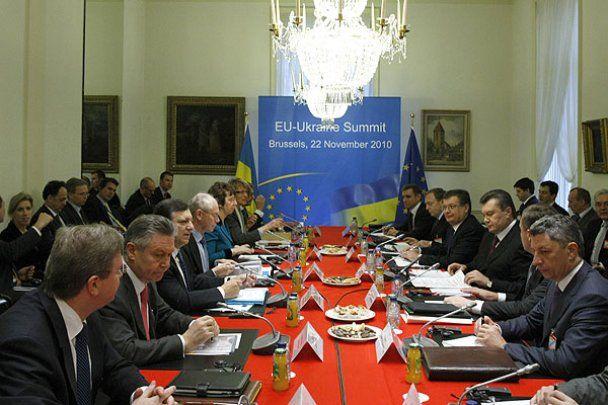 Янукович зустрівся з лідерами ЄС в Брюсселі