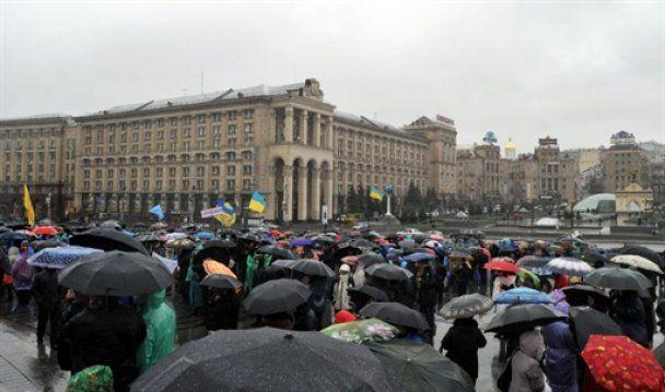 На Майдані розпочався мітинг проти Податкового кодексу