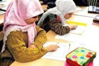 Мусульманських школярів Британії вчать відрізати злочинцям руки і ноги