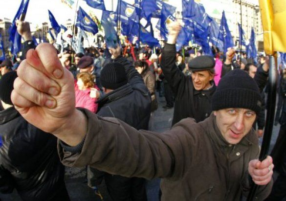 Акція протесту проти Податкового кодекса на Майдані, 25.10.2011