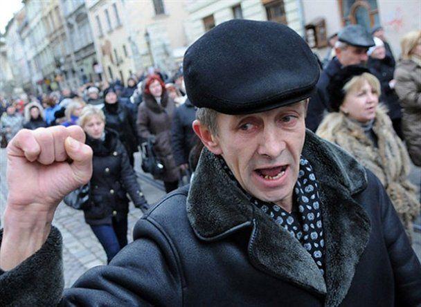 Серед мітингувальників на Майдані намітився розкол
