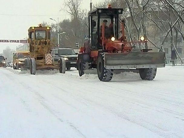 В России из-за снежного коллапса парализованы дороги