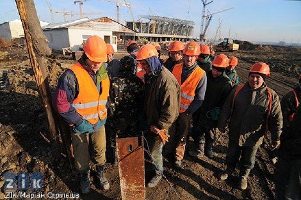 У Львові страйкують будівельники стадіону до Євро-2012