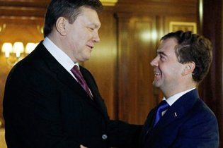 Янукович терміново їде до Мєдвєдєва домовлятися про газ