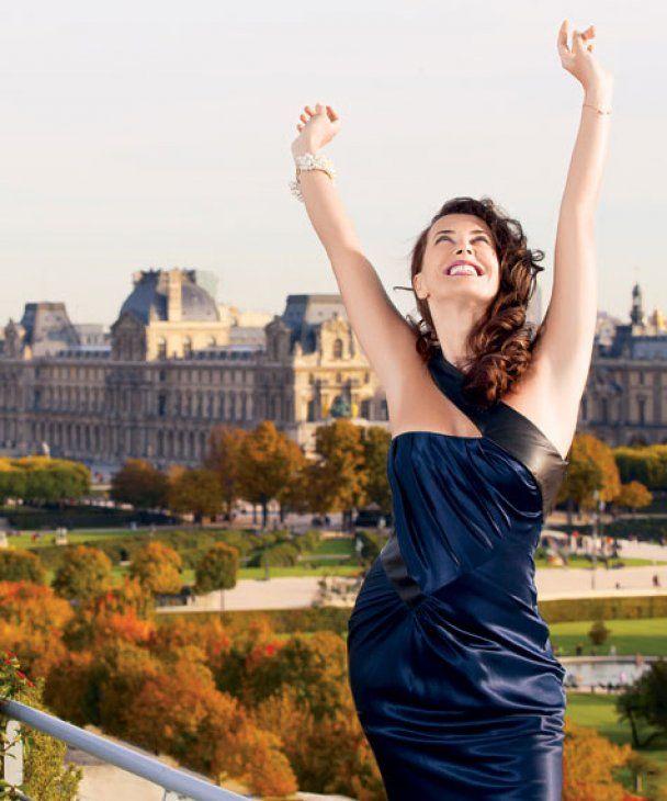 Жанна Фриске из США привезла 100 кг одежды