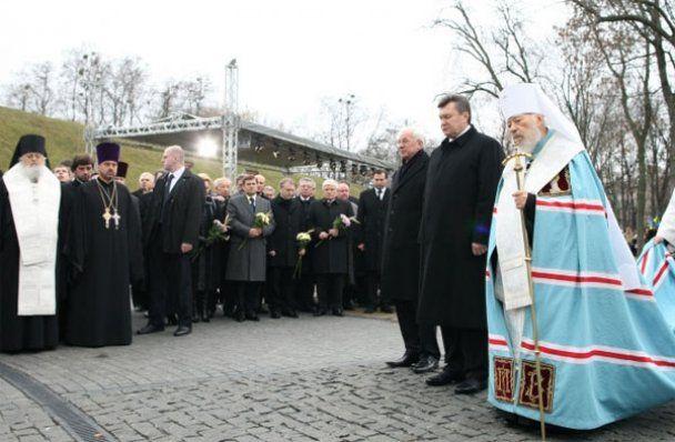 Україна вшанувала пам'ять жертв Голодомору 1932-33 років