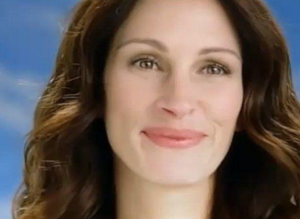 """Рекламу з Джулією Робертс заборонили через використання """"фотошопу"""""""