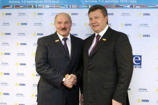 Янукович рассказал Лукашенко, как украинцы переживают за него на выборах