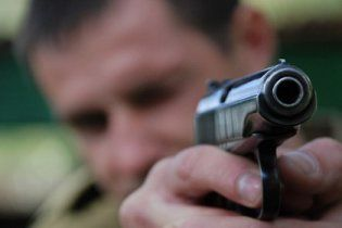 Чоловік відкрив стрілянину у московському метро
