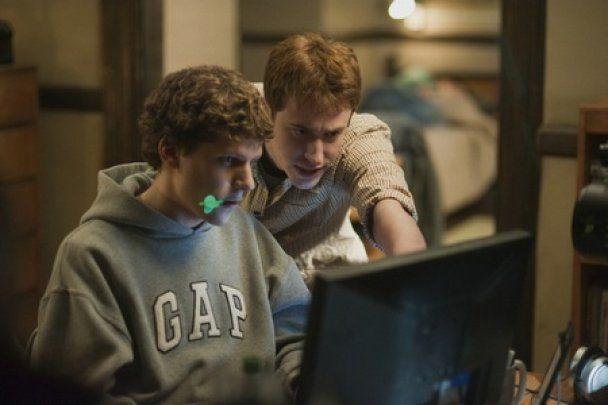 """Кінокритики визнали """"Соціальну мережу"""" найкращим фільмом року"""