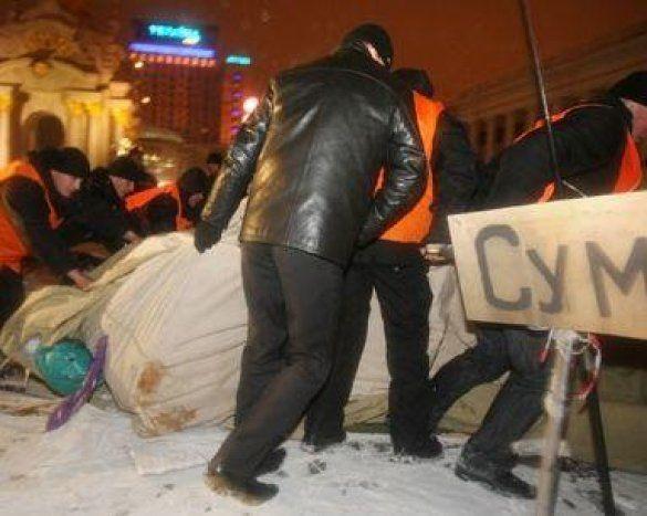 Знесення наметового містечка на Майдані_1