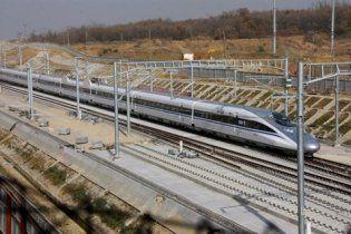 Китайский пассажирский поезд установил мировой рекорд скорости