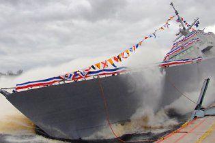 В США спустили на воду боевой корабль нового поколения