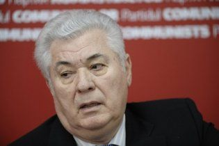У парламенті Молдови комуністи об'єдналися з демократами