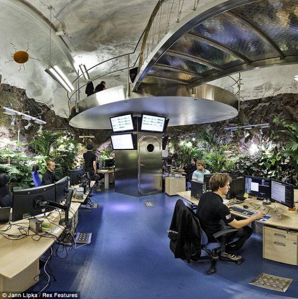 З'явилися фото бункера з серверами WikiLeaks