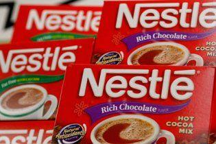 """В гипермаркете сотрудница Nestle порезала лицо коллеге за """"беспорядок на прилавке"""""""
